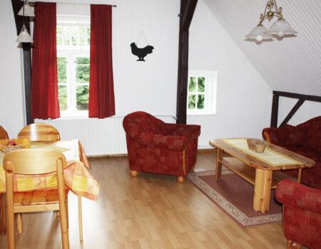 Ferienwohnung Kastanie - Ess- und Wohnbereich