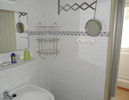 Ferienwohnung Nuss - Bad mit Dusche und WC