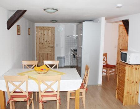 Ferienwohnung Quitte - Küche und Essbereich